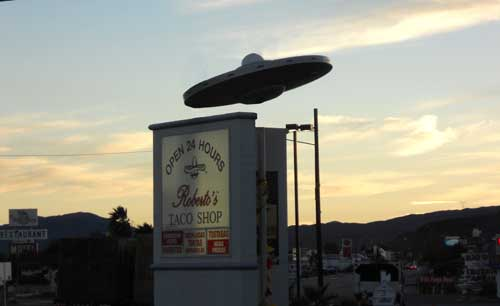 UFO_over_roberts_taco
