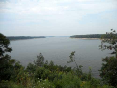 Mark Twain Lake at the back view 3